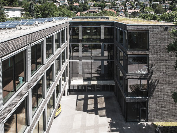 Das Flachdach in der Fachwelt.